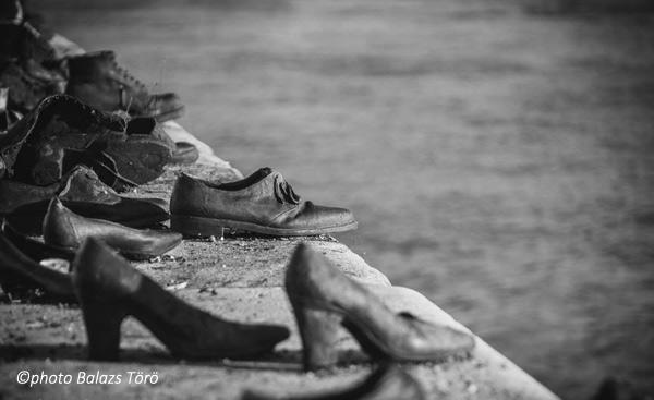Les chausseurs au bord du Danube